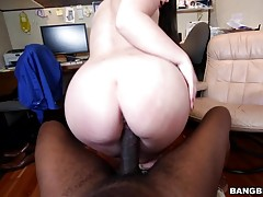 Monster cock makes that white girl pussy cream!